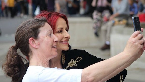 With-Carrie-Grant-by-SarahBowell_London